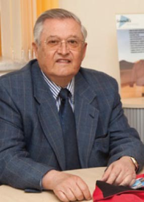 Dr. Norbert Voack